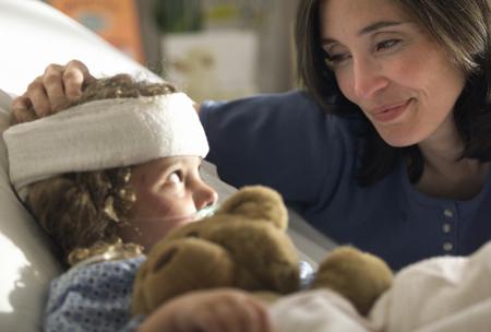 Ребенок ударился носом – что делать при ушибе