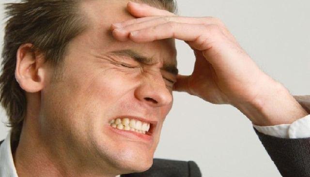 При насморке болит лоб и бровь - причины и лечение
