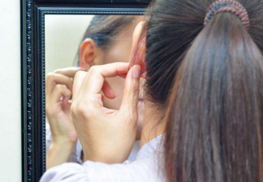 Фурункул в ухе – симптомы чирья, нарыва и гнойника