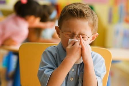 Чем лечить жидкие сопли у ребенка (текут как вода)