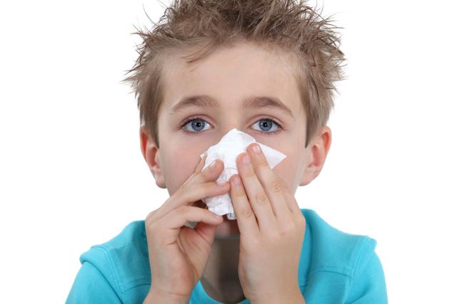 Солевой раствор для промывания носа ребенку – рецепт и инструкция