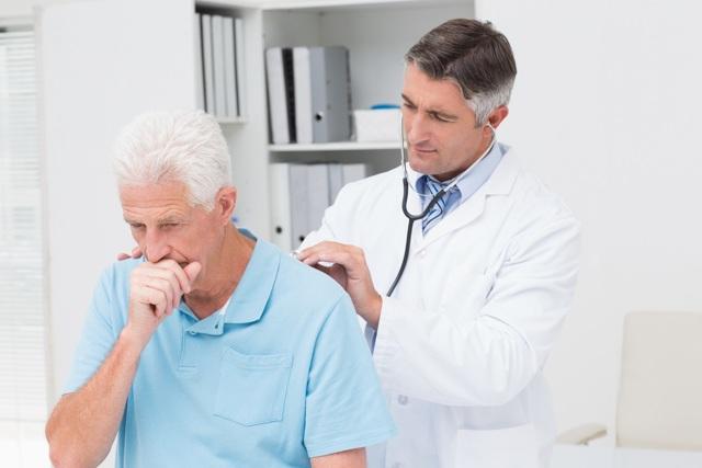 Симптомы и признаки гнойной ангины у взрослых