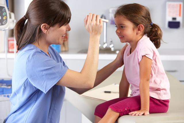 Доктор Е.О. Комаровский – лечение фарингита у детей