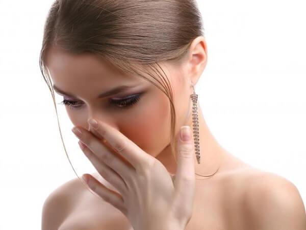 Неприятный запах из носа - лечение вони при вдохе