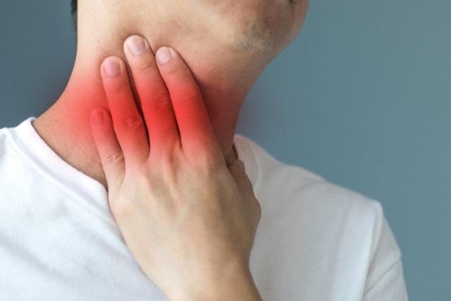 Стадии рака горла - симптомы на разных этапах болезни
