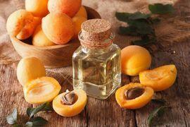 Масло в ухо для лечения (вазелиновое, оливковое, пихтовое и персиковое)